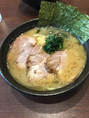 「チャーシュー麺中盛、硬め濃いめ」@横浜家系らーめん りゅうの写真