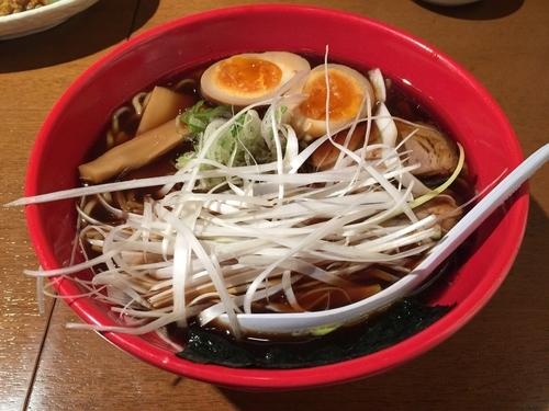 「富山ブラック ねぎ玉ラーメン」@麺家いろは CiC店の写真