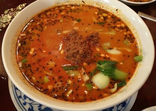 「本場四川風タンタン麺 750円」@中華菜館の写真