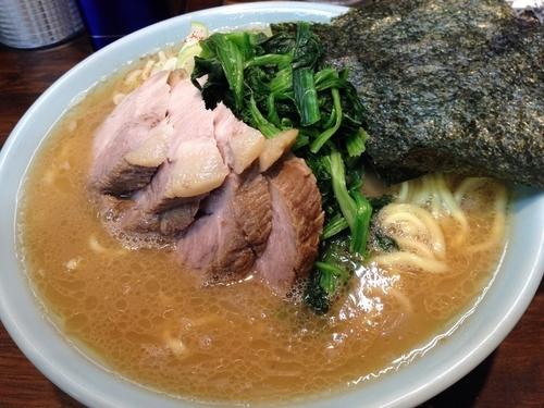 「特塩 + チャーシュー」@横浜家系豚骨醤油極太麺 侍 本店の写真