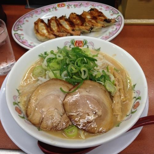 「ラーメン 餃子」@餃子の王将 四条大宮店の写真