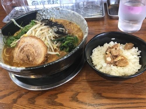 「新 黒豚麺 ¥670 + サービス豚めし 小」@らーめん次男坊の写真