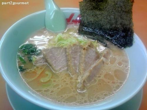 「醤油チャーシュー麺 (870円)」@ラーメン山岡家 長岡店の写真