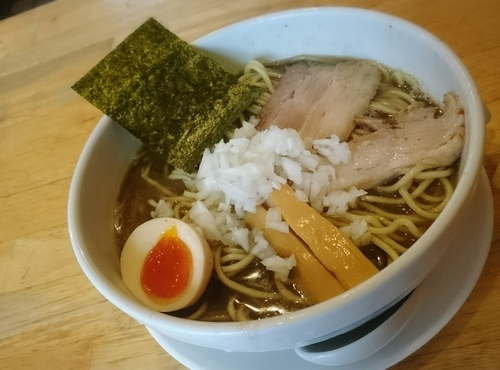 「中華 ハーフ味たま」@煮干そば とみ田の写真