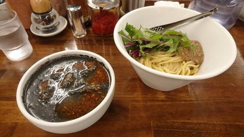 「【期間限定】冷やし黒味噌つけ麺(通称:ブラックデビル)」@麺屋庄太 津久井浜店の写真