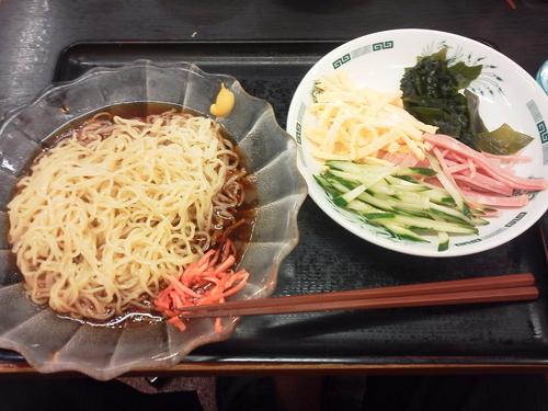「黒酢しょうゆ冷し麺 510円」@日高屋 笹塚観音通店の写真