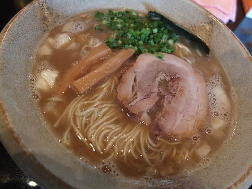 「豚そば(博多麺)+替え玉」@まるぶし とんやの写真