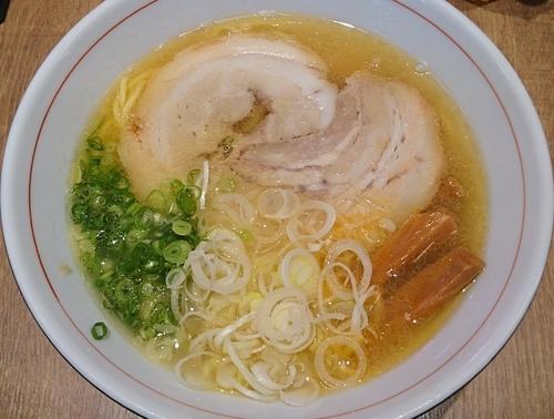 「熟塩らぁ麺」@もりずみキッチンの写真
