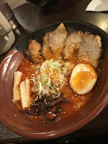 「焙煎辛味噌炙りチャーシュー麺」@吉山商店 札幌ら〜めん共和国店の写真