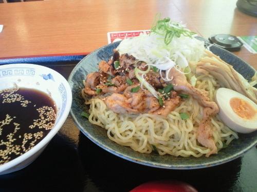 「肉盛り冷やしつけ麺(2玉) 702円」@大志軒 福島泉店の写真