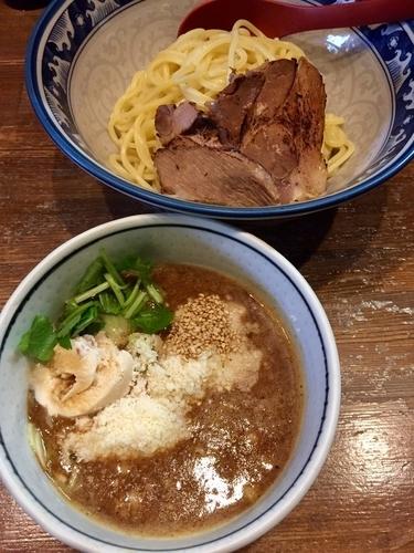 「醤油アイスとチーズの濃厚つけ麺 ¥800」@ラーメンアキラの写真