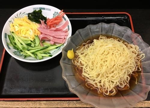 「ハイボール+黒酢しょうゆ冷し麺 大盛」@日高屋 三鷹北口店の写真