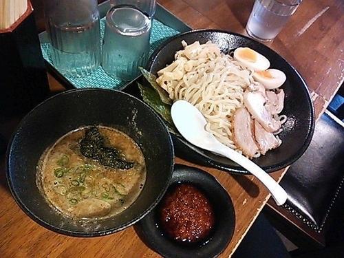 「特製濃厚煮干しつけめん+辛味噌」@煮干しラーメン 麺匠 春晴の写真