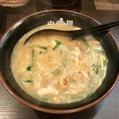 タン担麺 中担の写真