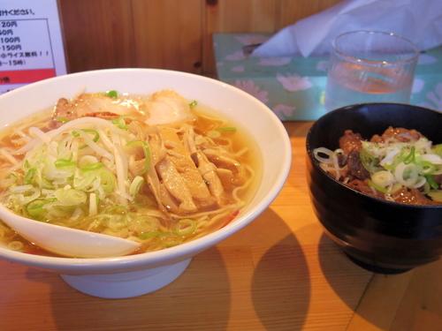 「牛骨醤油ラーメン」@ラーメン来香の写真