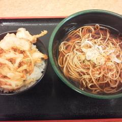 成田駅そばの写真