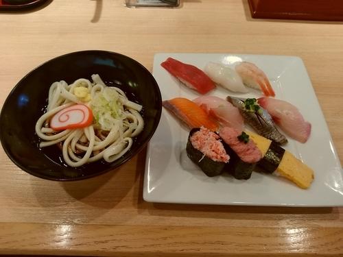 「Aランチ(握り10貫+氷見うどん)1,080円」@廻鮮 魚廣水産の写真