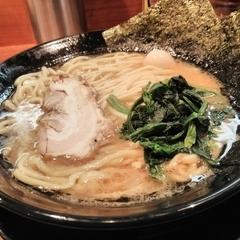 横浜家系ラーメン 岩槻商店の写真