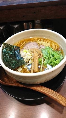 「醤油ラーメン」@ラーメン 麺たつの写真