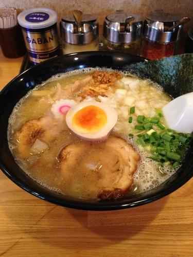「玉ねぎらーめん 中」@らー麺Chopの写真