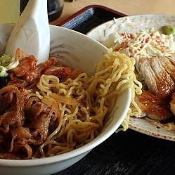 「豚キムチラーメン400円+とんテキ単品400円」@食事処 禅の写真