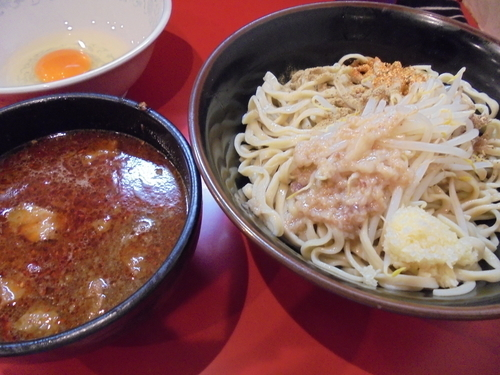 「辛つけ300g辛さ3倍+生卵」@麺屋 桐龍の写真