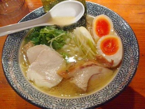 「比内地鶏の白湯らーめん 全部のせ ¥880」@濃厚鶏そば 麺屋 武一 横浜関内店の写真