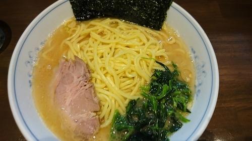 「ラーメン+中盛り」@横浜家系ラーメン 中島家の写真