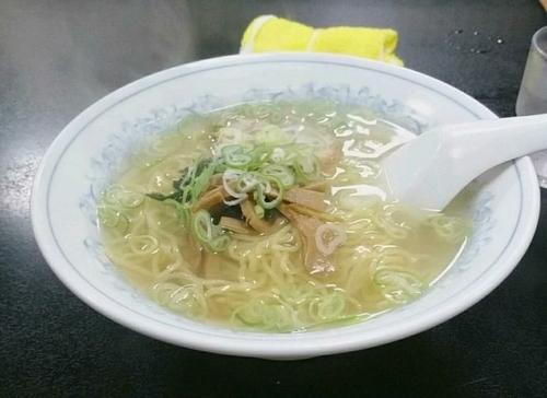 「塩ラーメン450円」@中華料理 嵐山の写真