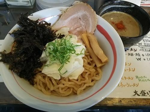 「ちょもつけ麺 (大盛り) ※クーポンで700円」@俺らラーメン ちょもらんまの写真