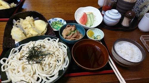 「うどん定食もつ煮付き 800円」@こいずみ食堂の写真
