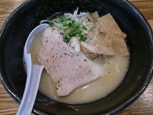 「鶏白湯の自家製麺」@めんごころ なつの写真