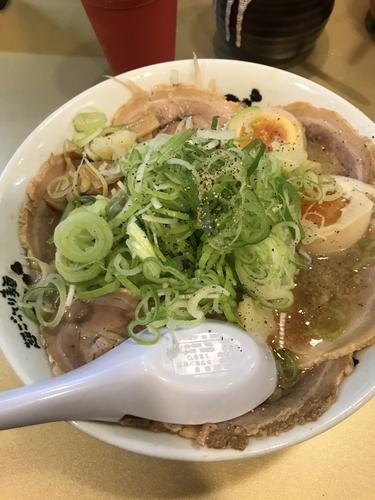 「醤油チャーシュー麺➕麺固め」@超ごってり麺 ごっつの写真