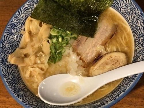 「濃厚煮干し鶏白湯ラーメン」@煮干しラーメン 麺匠 春晴の写真