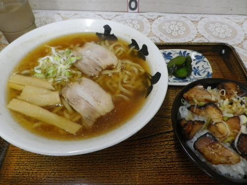 「支那そば+肉ミニ丼」@大笑家の写真