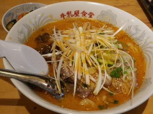 「ゴマ辛担々麺・極太手打風麺」@牛乳屋食堂の写真
