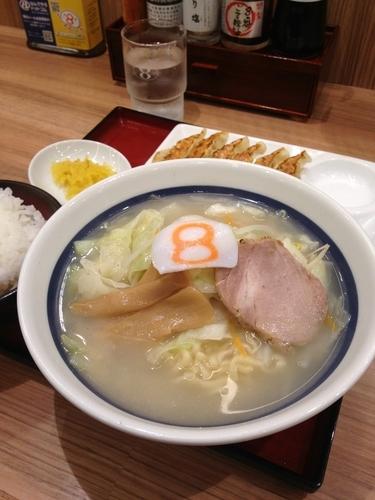 「Aセット(野菜ラーメン 塩)950円」@8番らーめん 本店の写真