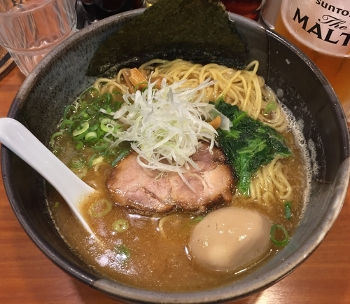 「鐙らぁめん+煮たまご(¥710+¥100)」@麺や 鐙 大和店の写真
