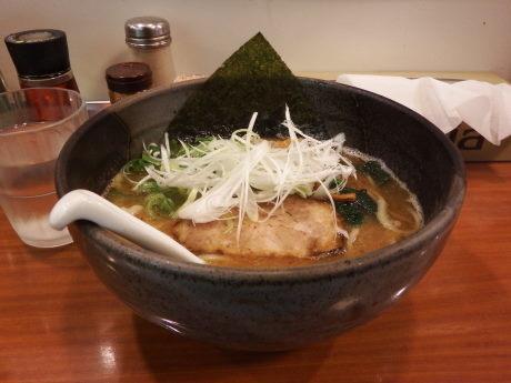 「鐙らぁめん」@麺や 鐙 大和店の写真