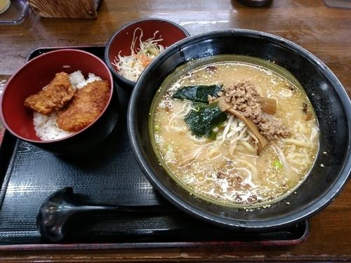 「ランチ(ソースカツ丼+味噌ラーメン)842円」@麺処 めの娘 高崎問屋町店の写真