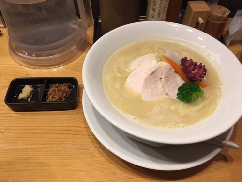 「鶏白湯SOBA 950円」@銀座 篝の写真