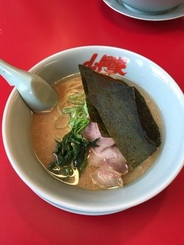「醤油ラーメン OIL多め」@ラーメン山岡家 羽生店の写真