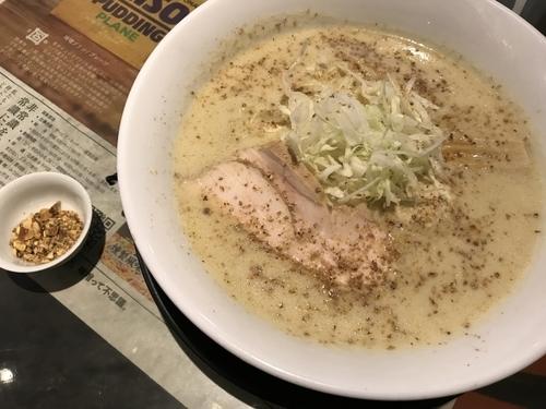 「次世代味噌とチーズのカルボナーラ風SOY白湯味噌ラーメン」@みつか坊主 醸の写真