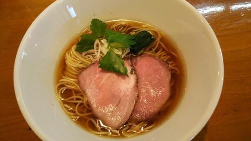 「醤油らぁ麺」@らぁ麺 こむぎの写真