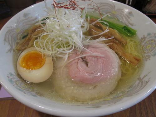 「鶏だし塩ラーメン 「750円」」@麺屋 まる星の写真