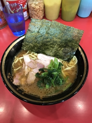 「ラーメン 麺固め」@家系総本山 吉村家の写真