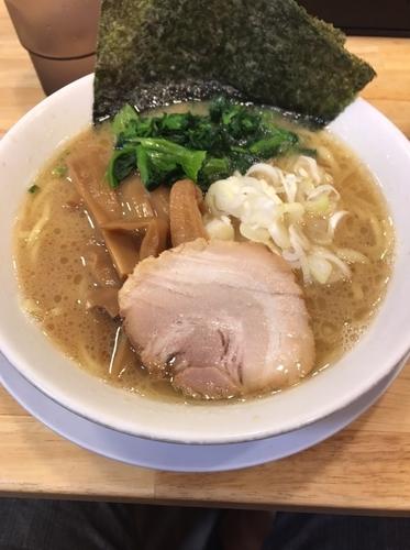 「豚骨醤油ラーメン」@美熊家 高崎店の写真