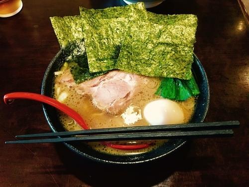 「豚骨醤油らぁ麺+味玉780円」@らー麺's kitchen かわべの写真