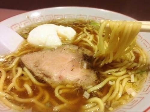 「ラーメン(700円)+煮卵(50円)」@名物屋の写真