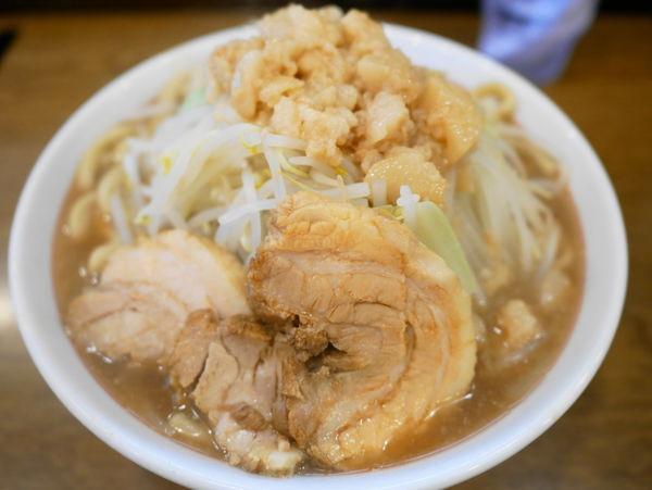 「ラーメン 麺400g+アブラ」@眞久中の写真